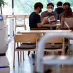 Южнокорейские кафе во время эпидемии нанимают роботов-бариста