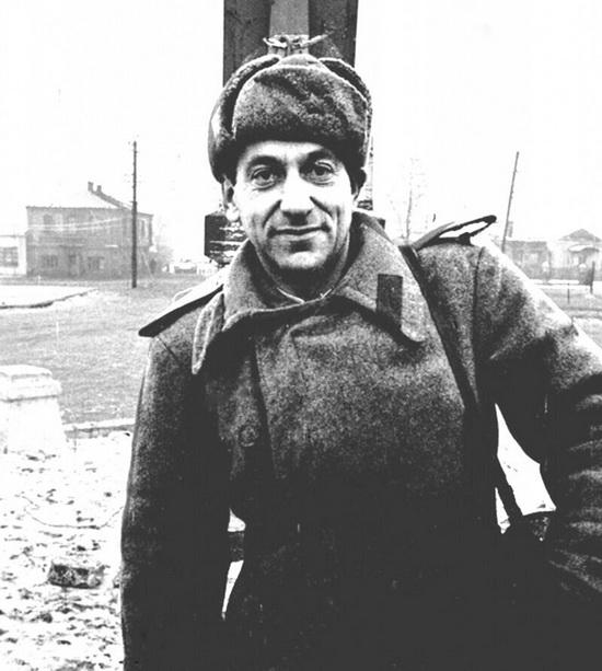 Виктор Темин считается одним из самых оперативных и профессиональных фоторепортеров СССР.