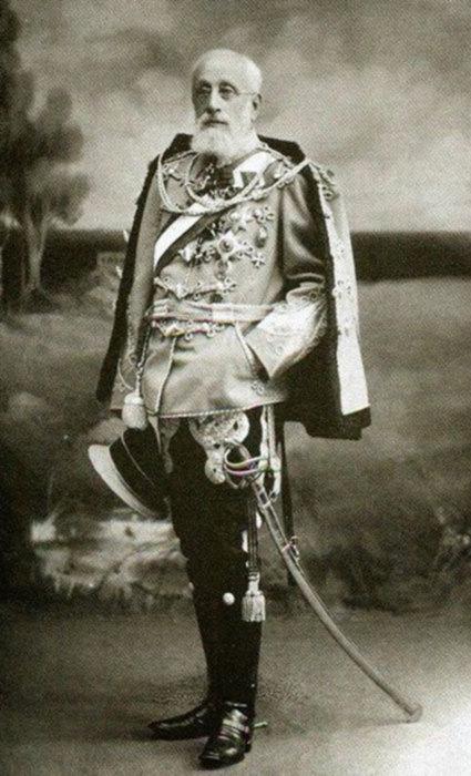 Воинские заслуги и образ командира-джентльмена