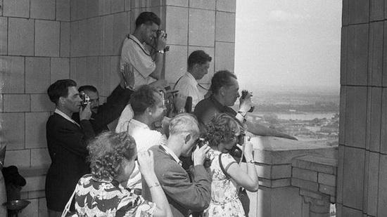 Граждане СССР было запрещено пользоваться услугами персонального гида