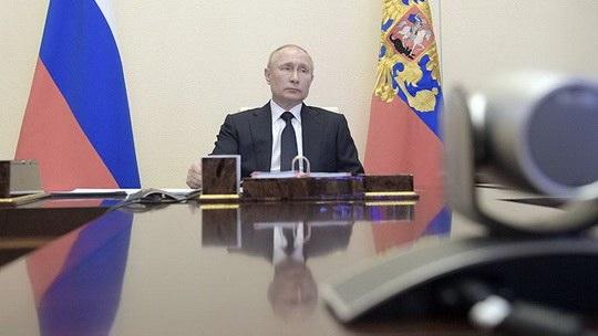 Президент РФ Владимир Путин по итогам совещаний о ситуации на рынке труда дал поручение правительству создать интернет-портал для размещения и поиска вакансий