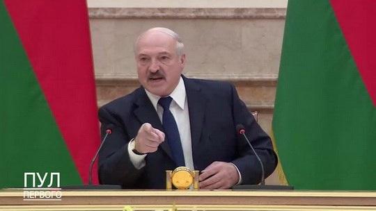 Президент Беларуси заявил, что никому не отдаст страну на предстоящих выборах.