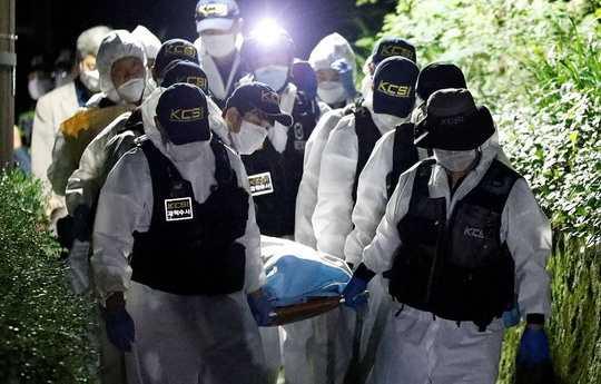 Власти Южной Кореи обнаружили мертвым ранее пропавшего мэра Сеула Пак Вон Суна.