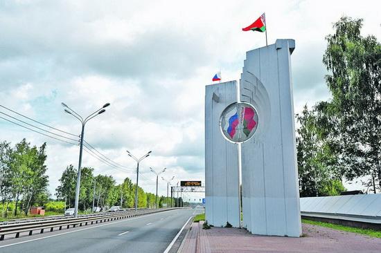 В пунктах пропуска и на «зеленой» границе в украинском направлении увеличено количество пограничных нарядов.