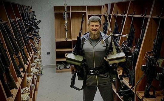 Кадыров ответил на новые санкции США фотографией с пулеметами