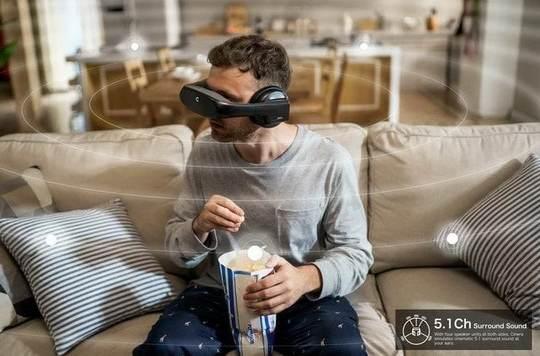 Стартап Cinera Edge разработал «носимый кинотеатр» – гарнитуру-очки для просмотра фильмов в высоком качестве.