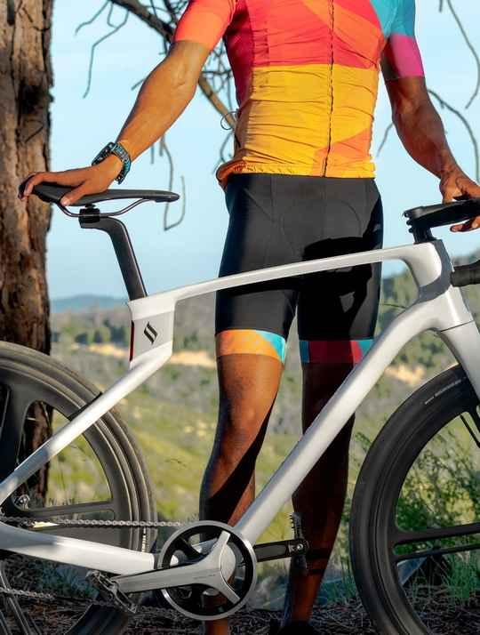 Первый в мире велосипед, не имеющий ни резьбовых, ни сварных, ни клеевых соединений с цельным корпусом выпустил стартап Arevo из Силиконовой долины