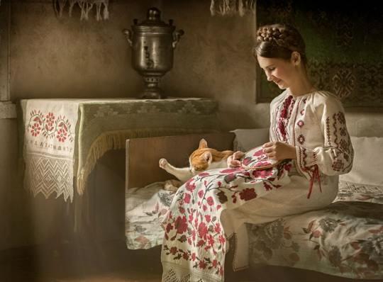 С самого рождения для девочки в русской семье начинали собирать приданое.