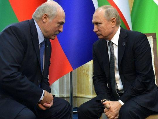 Владимир Путин заявил, что Россия по просьбе Лукашенко сформировала резерв из сотрудников правоохранительных органов для помощи Беларуси.