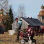 РБК: каждый пятый ребенок в России оказался за чертой бедности
