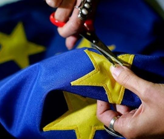 Саммит ЕС, который должен был начаться в четверг, во вторник вечером неожиданно отменили.