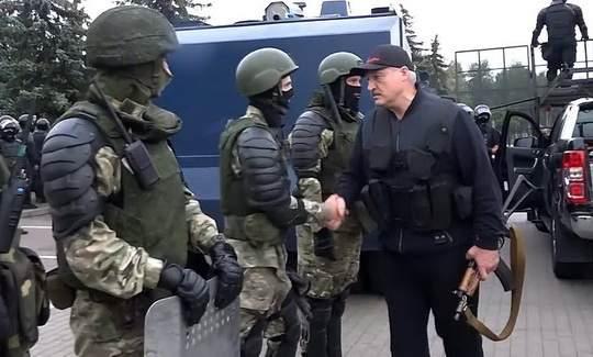 Александр Лукашенко появился в базе украинского сайта «Миротворец», следует из данных портала.