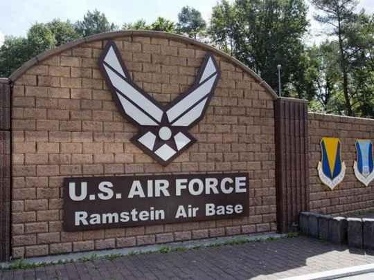Министры обороны 30 стран-членов НАТО готовятся обнародовать планы по созданию нового космического центра на авиабазе Рамштайн