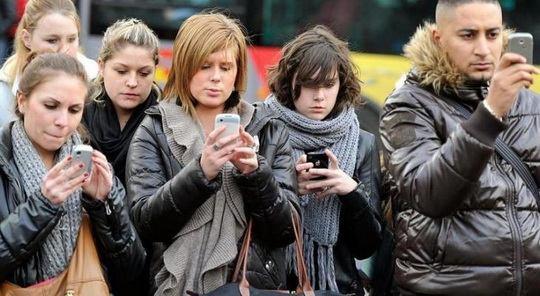 В редакции белорусских СМИ стали приходить сообщения от читателей, в которых они присылают скрины своих мобильных.