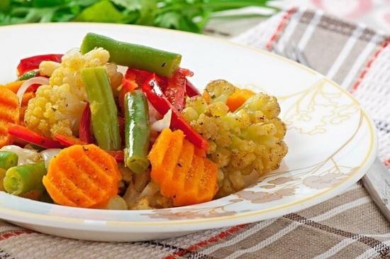 Сырые, тушеные или отварные овощи