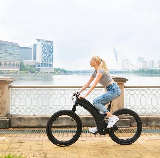 Компания Beno из Делавэра, США, представила на краудфандинговой платформе Indiegogo электрический велосипед Reevo