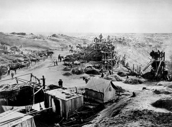 К 1888 году стратегия агломерации De Beers под Родсом привела к созданию De Beers Consolidated Mines Limited