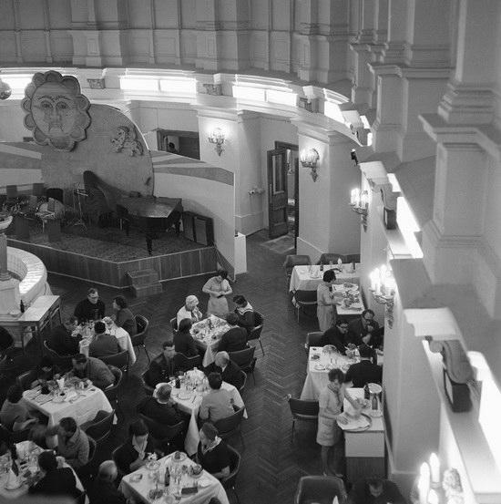"""Ресторан """"Славянский базар"""" в Москве."""