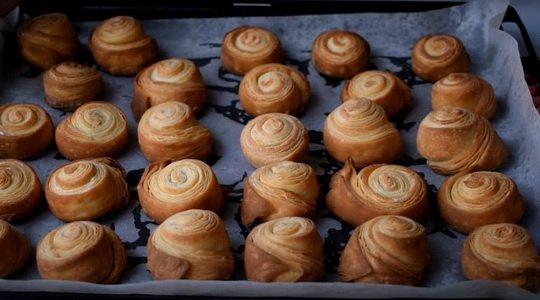 Приготовьте слоеные булочки, перед вкусом которых вряд ли кто-нибудь сможет устоять