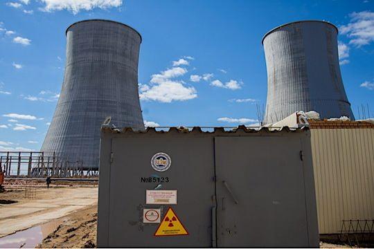 На первом энергоблоке Белорусской атомной электростанции (БелАЭС), подключенном в начале ноября к энергосистеме страны, меняют оборудование.