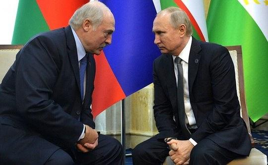 21 декабря в Москве подписано соглашение между правительствами Беларуси и России о предоставлении Москвой государственного финансового кредита на 1 млрд долларов