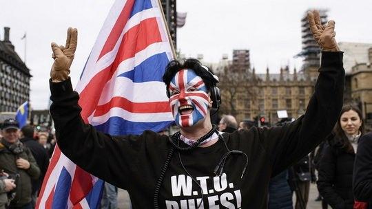 Британия и Евросоюз за несколько дней до окончательного выхода Соединенного Королевства из ЕС сумели избежать резкого разрыва без соглашения