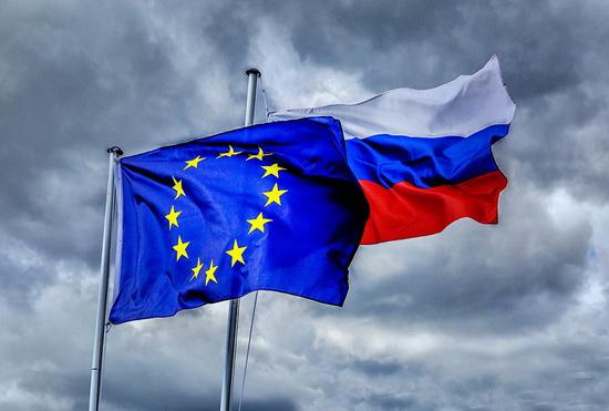 В ответ на эти санкции в России против западных стран введено продуктовое эмбарго. 14 декабря правительство продлило меры до 31 декабря 2021 года.