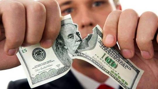 Европейцы встревожены многократным использованием односторонних санкций, которые бьют по компаниям континента, и хотят минимизировать риски от долларовой финансовой системы