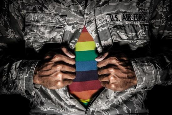 По данным министерства обороны на 2019 год на действительной военной службе в США состояло 8980 трансгендеров.