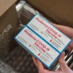 Начались первые поставки вакцины Moderna в страны ЕС