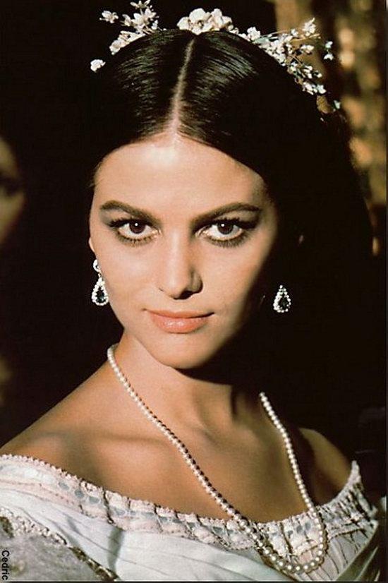 Клаудия Кардинале в роли донны Бастианы из к/ф «Леопард», 1963 год.