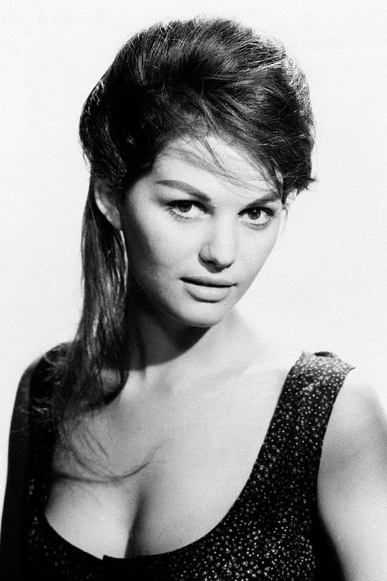 Клаудия Кардинале - одна из самых красивых актрис итальянского кино 1960-х годов