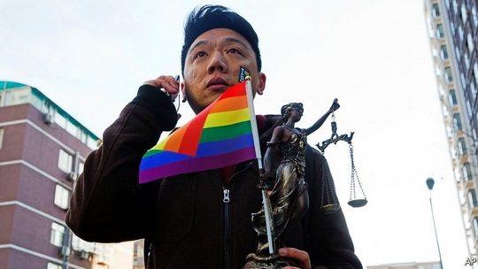 Суд провинции Цзянсу встал на сторону авторов университетского учебника, в котором гомосексуализм назван психическим расстройством.