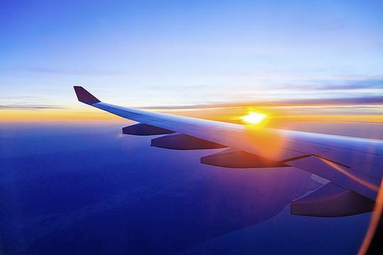 Винглеты (загнутые вверх концы крыльев) сокращают расход топлива на 3–7%, что сопоставимо с эффектом от редизайна планера