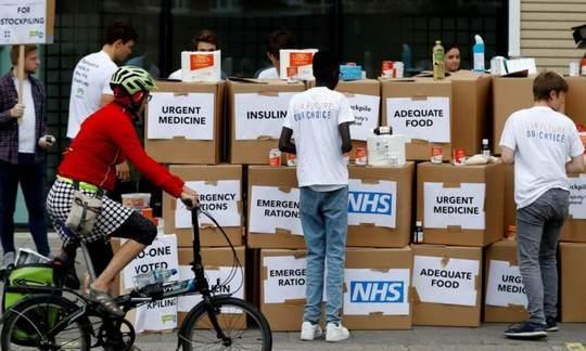 В Евросоюзе посчитали, что Лондон пытается искусственно продлить льготный период, позволяющий британским поставщикам избегать оформления таможенных фитосанитарных сертификатов