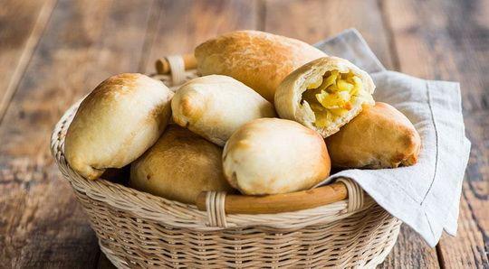 Постные пирожки с картошкой настолько вкусны, что вам захочется готовить их и в другие периоды года.