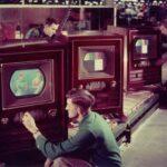 В какой стране пытались не допустить развития цветного телевидения из-за опасений социального расслоения?