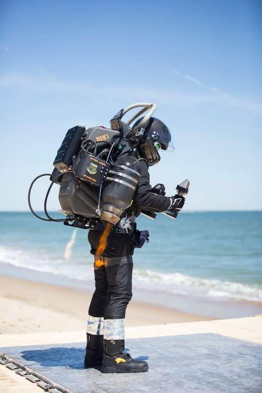 Агентство DARPA изучает технические возможности создания и применения джетпаков с перспективой использования их специальными подразделениями США