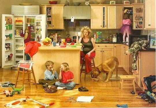 Беспорядок в доме — это не только вопрос эстетики, но и источник стресса, который оказывает значительное влияние на психическое состояние обитателей жилища.