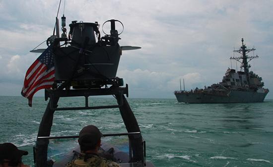 Представитель Пентагона отметил, что авиация ВМС США продолжает проводить разведывательные миссии в международном воздушном пространстве над Черным морем и следить за активностью российского флота, а также за передвижением войск в Крыму.