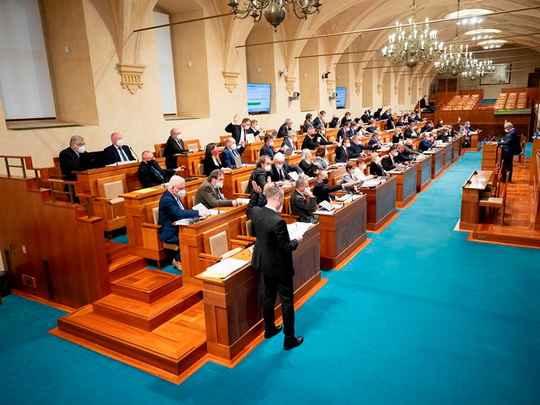 В Чехии сенаторы в связи с расследованием дела о взрывах в Врбетице призвали правительство страны расторгнуть договор о дружеских отношениях и сотрудничестве с Россией