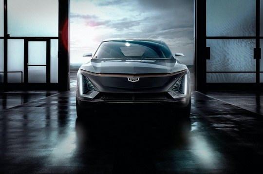Компания Cadillac, входящая в автомобильную империю General Motors и специализирующаяся на производстве автомобилей премиального класса, представила свой первый серийный электромобиль Cadillac Lyriq 2023