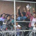 Biden administration detains over 3,000 immigrant children daily + перевод