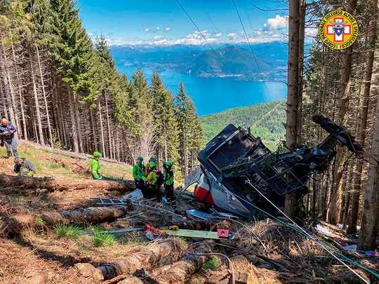 Четырнадцать человек погибли в результате аварии кабины фуникулера в итальянской области Пьемонт близ Лаго-Маджоре и горы Моттароне