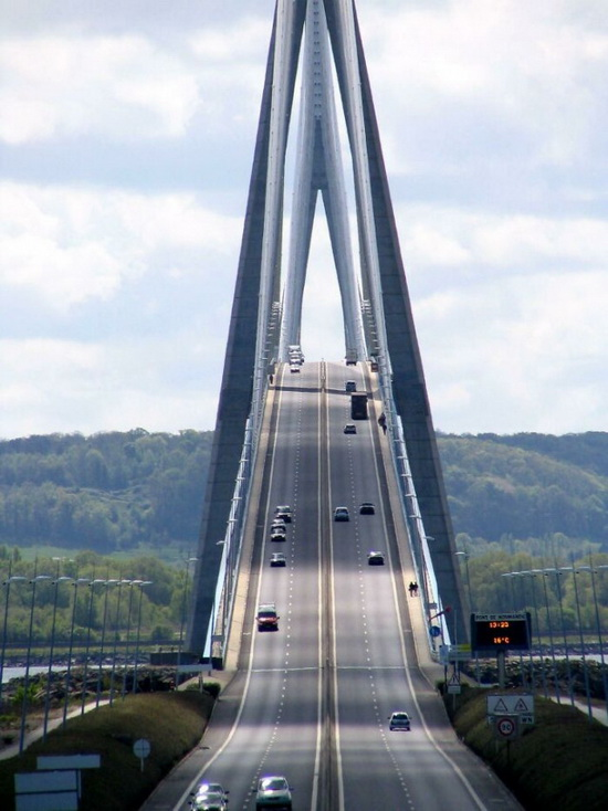 Мост Нормандии, Франция