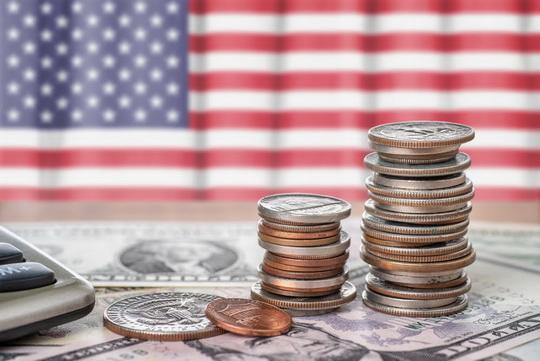 Убежденность либералов в американском мировом превосходстве опирается на убежденности в том, что, при любых мировых переменах, доллар США будет сохранять безоговорочную привлекательность вечно