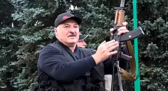 Александр Лукашенко 8 июня заявил, что в Беларуси нужно наладить производство стрелкового оружия