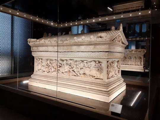 Гробница Александра Македонского — один из самых замечательных образцов эллинистического искусства.