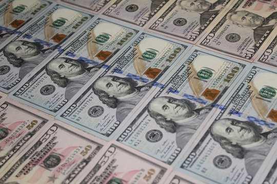 Минфин решил обнулить долю доллара в средствах Фонда национального благосостояния, объявил министр финансов Антон Силуанов.