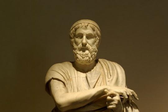 О жизни легендарного поэта Древней Греции мы знаем немногое.
